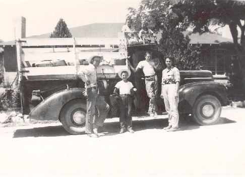 Truck_Holloway_Fam_ca_1949_17DEC0313.pdf