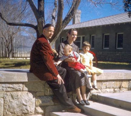 uhle_family_May_1958_18DEC0069.pdf