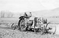 KW062a_tractor_18DEC0167.pdf